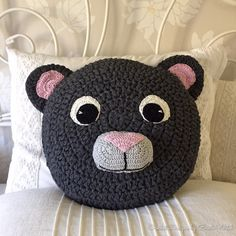 The cutest teddy cushion ever by BautaWitch.