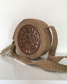 Marvelous Crochet A Shell Stitch Purse Bag Ideas. Wonderful Crochet A Shell Stitch Purse Bag Ideas. Crochet Wallet, Crochet Tote, Crochet Handbags, Crochet Purses, Purse Patterns, Sewing Patterns, Crochet Patterns, Crochet Ideas, Crochet Shell Stitch