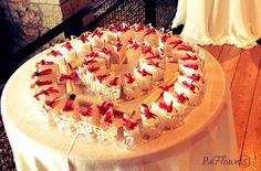 #bonbonnière con romantica farfalla e rosa decorativa in raso.