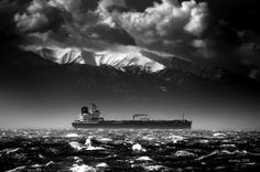 This is Mt. Olympus in Greece (yes, from Greek mythology.) shot from the port of Thessaloniki Rare Photos, Cool Photos, Amazing Photos, Mount Olympus, Maybe Someday, Thessaloniki, Beautiful Places To Visit, Greece, Vacation