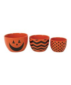 Serve up spooky snacks and other seasonal treats with this convenient set. Boasting bright Halloween charm, each bowl nests for easy storage too.Includes three bowls3.5'' to 5'' wideStonewareHand washImported