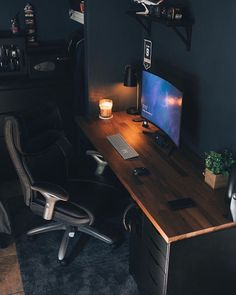 We've compiled the best office desk setup ideas, ergonomic desk setups, and gaming setup for you, featuring the best ergonomic chairs! All images were sourced.