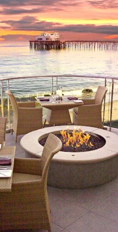 ~~Scenic views from private balconies, a moment of zen with a roaring fire at the Malibu Beach Inn, Malibu, California | Jetsetter~~