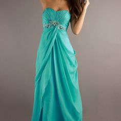 Not a big fan of dresses period but this is some thing I would where to prom