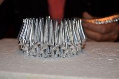 Jämät jäljellä: Kahvipussijoutsenen ohje Bobby Pins, Origami, Hair Accessories, My Style, Bracelets, Silver, Crafts, Diy, Jewelry