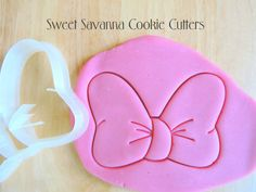 Bow Cookie Cutter with emboss detail    Size approx.      2in x 1.3 inches  3in x 2 inches  4in x 2.6 inches      After a cookie cutter or a