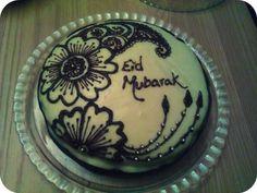 Eid cake baked by Navy Choudhury and decorated by her lovely daughter Anisa! Henna Cake, Eid Cake, Eid Moubarak, Chocolat Cake, Dairy Free Chocolate Cake, Eid Food, Eid Party, Food Fantasy, Plum Cake