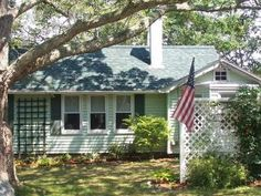 Ours is a charming, quintessential Cape Cod cottage - a beachfront cottage on Eel Pond in Monument Beach, located in a residential neighborhood - peaceful, serene beauty awaits you! There are two bedrooms w/double beds, a futon in the den for additional sleeping (dble), and sofabed in the main room. The cottage can sleep 8, but is just right for 4-6 persons. The den has a fireplace w/stove insert. Fully equipped kitchen, bath w/shower. Outdoor shower (h/c) to wash off after enjoying a dip in…
