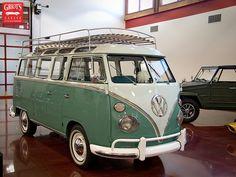 1963 Volkswagen Transporter/Samba by Griot's Garage, via Flickr