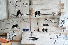 Gemacht und sofort lieferbar! Valentinstag Geschenkidee liebe dich und mir Zeichen, dass Holz Schilder Holz Kunst 5. Jahrestagsgeschenk zurückgefordert Vogel Malerei Holz Liebe Kunst-Holz Wand Dekor Hochzeitsgeschenk für paar von Linda Fehlen  Du und ich - Liebe Vögel auf einem Draht-Malerei auf Altholz  {Size} - zurückgefordert 19 1/2 x 10 1/2 auf Palettenholz, das mit einem notleidenden Stil gemalt worden ist.  Das einfache, rustikale Gemälde, zwei Vögel auf einem Draht würde ein…