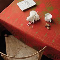 THE CHRISTMAS TABLECLOTH
