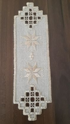 Hardanger Embroidery, Brazilian Embroidery, Bargello, Handicraft, Quilling, Bookmarks, Elsa, Needlework, Diy And Crafts