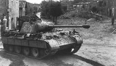 Panther 401 from Panzer-Regiment 4 in northern Italy during late summer 1944