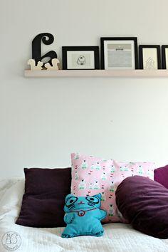 Oravanpesä Throw Pillows, Bed, Home, Toss Pillows, Cushions, Stream Bed, Ad Home, Decorative Pillows, Homes