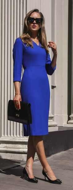 30 Dresses in 30 Days   Day 16: Client Meetings // Cobalt blue fitted quarter sleeve midi dress, black envelope clutch, manolo blahnik hangisi pumps, black cat eye sunglasses {Le specs, Manolo Blahnik, workwear, work attire, office appropriate, classic style}