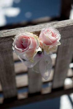fleurs pour un mariage en provence roses de cérémonie symbolique Studio Cabrelli / A Fleur et à Mesure