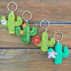 Crochet Cactus Keychains- 62 Easy Handmade Fun Crochet Pattern Keychains DIY to Make Cute Crochet, Easy Crochet, Crochet Hooks, Crochet Key Chain, Diy Crochet Gifts, Crochet Rabbit, Tutorial Crochet, Tunisian Crochet, Crochet Flower Patterns