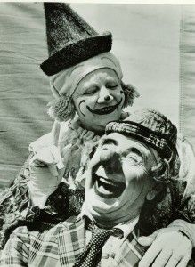 Nolly and Polly Tate Circus Clown, Circus Theme, Super Scary Movies, Creepy Old Photos, Laugh Now Cry Later, Vintage Clown, Clowning Around, Creepy Clown, Send In The Clowns