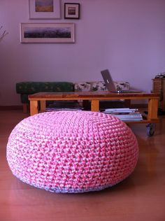 Trapillo Pouf by Tikismikis | Project | Crochet / Decorative | Kollabora