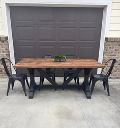 Kitchen table black benches Ideas for 2019 Diy Dining Room Table, Farmhouse Table Chairs, Table And Chairs, Wood Tables, Dining Tables, Side Tables, Coffee Tables, Kitchen Table Makeover, Brown Kitchens