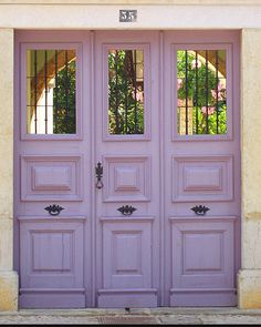 Wonder style, and this door gives you a glimpse of what is inside.