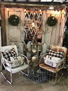 5450 best rustic / primitive decor images in 2019 heminredni Flea Market Displays, Antique Store Displays, Vendor Displays, Craft Show Displays, Antique Shops, Display Ideas, Flea Markets, Rustic Primitive Decor, Farmhouse Decor