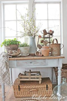 Lovely shabby chic console table                                                                                                                                                     More #rusticshabbychickitchen
