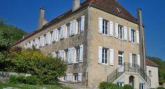 Passez d'agréables moments à la Ferme Sainte-Anne. Séjournez dans notre gîte et louez nos salles de réception au cœur du Pays de Langres, en Haute-Marne.