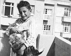 Bülent Ecevit, 1930'lar.
