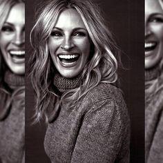 La vida tiene sus altibajos pero cuando nos sonríe debemos compartir nuestra #sonrisa con el mundo, porque es contagiosa y no hay nada mejor que un mundo lleno de sonrisas, con #carcajadas, de esas que nos producen hasta dolor de estómago.  Y con una preciosa Julia Roberts te deseamos un feliz domingo lleno de sonrisas!!!   #buenosdias #felizdomingo #reflexionesdeundomingo #frasedeldia #reflexionesdeundomingo #moda #bauldelujo #Baulchic