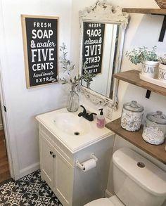 Vintage Bathroom Pai