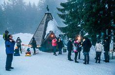 Auf halbem Weg gibts heissen Glühwein. Laternliwegbericht in der Schweizer Familie  http://www.saentisbahn.ch/freizeit/winter/laternliweg-schwaegalp.html