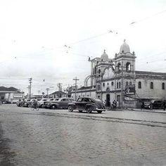 O largo dos Pinheiros em 1940 — bem diferente do cenário de hoje em dia. | 23 fotos que revelam São Paulo como você nunca viu