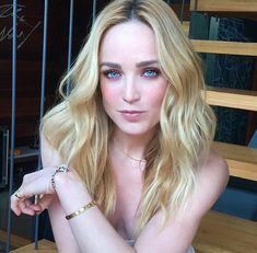 Caity Lotz/Sara Lance the White Canary in Legends of Tomorow Hottest Female Celebrities, Beautiful Celebrities, Beautiful Actresses, Beautiful People, Celebs, Beautiful Women, Rip Hunter, Supergirl, Batgirl