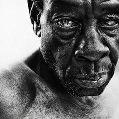 Portrait by Lee Jeffries  << La vie d'un homme dépeint dans son visage >>