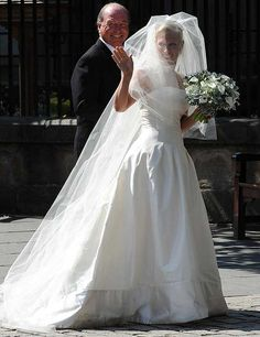 The bride with her father, Captain Mark Phillips.  The Wedding of Zara Phillips and Mike Tindall