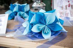 Centrotavola con fiori Kusudama in Azzurro AD Creazioni in carta a Verona