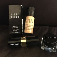 Bobbi Brown make up galore Bobbi Brown make up.. Foundation -natural 4, Shimmer Nail Polish -bronze, Eye shadown - cream blue, Lipstick- hot tutu 1C.. All brand new... Make me an offer Bobbi Brown Makeup Foundation