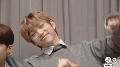Funny Kpop Memes, Kid Memes, K Pop, Fun Army, Divas, Kids Overalls, Felix Stray Kids, Korean Babies, Lee Know