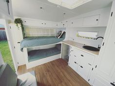 Clean lines and simple design of these caravan bunk beds. Perfect for small travel trailers, while still making sure everyone has a comfy bed in the caravan. Caravan Bunk Beds, Diy Caravan, Caravan Decor, Retro Caravan, Caravan Storage Ideas, Retro Trailers, Caravan Ideas, Airstream Trailers, Caravan Renovation Diy