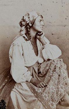 Gypsy, by Carol Popp de Szathmary ( 11 January Cluj, Principality of Transylvania, Austrian Empire (now Romania) - d. Gypsy Life, Gypsy Soul, Foto Face, Gypsy People, Gypsy Culture, Gypsy Women, Gypsy Living, Estilo Hippie, Vintage Gypsy