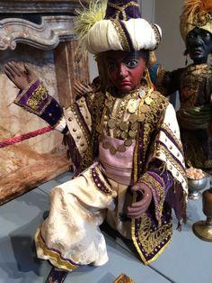 """I Re Magi nella ricostruzione teatrale della Natività di tradizione napoletana - GASC Villa Clerici, Milano - Mostra """"Figure nel presepe - Le marionette raccontano la magia del Natale"""""""