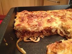 The traditional recipe, tweaked to be tastier than any other pastitso you have tasted! The perfect dish for Sundays and celebrations. Vegetarian Recipes, Cooking Recipes, Going Vegan, Lasagna, Tasty, Dishes, Celebrations, Ethnic Recipes, Blog