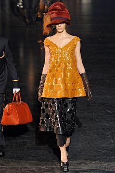 Louis Vuitton Fall 2012 Ready-to-Wear Fashion Show - Agata Rudko (IMG)