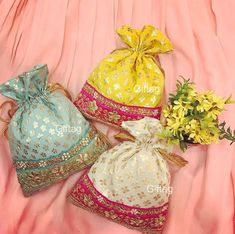 Marvelous Crochet A Shell Stitch Purse Bag Ideas. Wonderful Crochet A Shell Stitch Purse Bag Ideas. Wedding Gift Wrapping, Wedding Gift Bags, Diy Popsicle Stick Crafts, Indian Wedding Favors, Bridal Handbags, Potli Bags, Crochet Shell Stitch, Embroidery Bags, Fabric Bags
