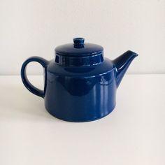 """Vintage Arabia Finland ceramic tea pot named """" Kilta"""" by Kaj Franck, 1950s - Made in Finland"""