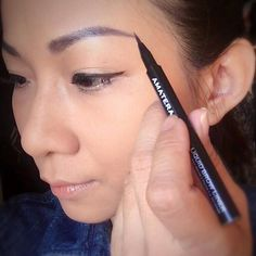 #Repost @pchingq  Beauty sharing Friday. The first eyebrow liner I have and it can gives this natural effect. No intense strokes like eyeliner but with a strong stay on power I've tried wearing it during sweat dripping workout and the brow color stayed. The color is so natural I can use it to draw strokes without infill the whole brow it also can be used on hairlines for tiny touch up when I up tie my hair.  Eyeliner that stay on whole day and eye pencil for highlight by @amaterasubeauty…