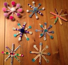 Snowflake craft idea for kids – Crafts and Worksheets for Preschool,Toddler and Kindergarten Kids Crafts, Christmas Crafts For Kids, Christmas Activities, Toddler Crafts, Preschool Crafts, Winter Christmas, Kids Christmas, Holiday Crafts, Arts And Crafts