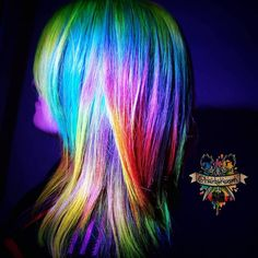 Glow-in-the-dark hair is a new trend that will literally light up your life (and your locks). From vibrant rainbow manes to strands glowing in various neon