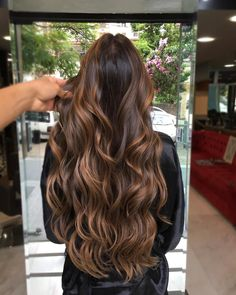 Embrace your natural glow with subtle balayage highlights. Check out these balayage hair ideas that are sure to inspire you. Brown Hair Balayage, Blonde Hair With Highlights, Brown Blonde Hair, Hair Color Balayage, Long Brunette Hair, Brown Ombre Hair, Brunette Color, Long Brown Hair, Color Highlights